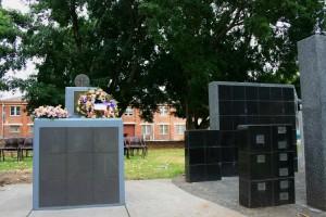 National Service memorial on left of Vietnam veterans' memorial
